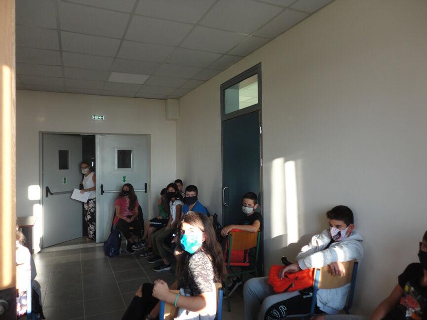 """Σύλλογος Γονέων και Κηδεμόνων Γυμνασίου-ΓΕΛ Καράτουλα: Πλημμύρισαν δύο αίθουσες με το... """"καλημέρα"""" της χρήσης τους στο νέο κτίριο του σχολείου (photos)"""